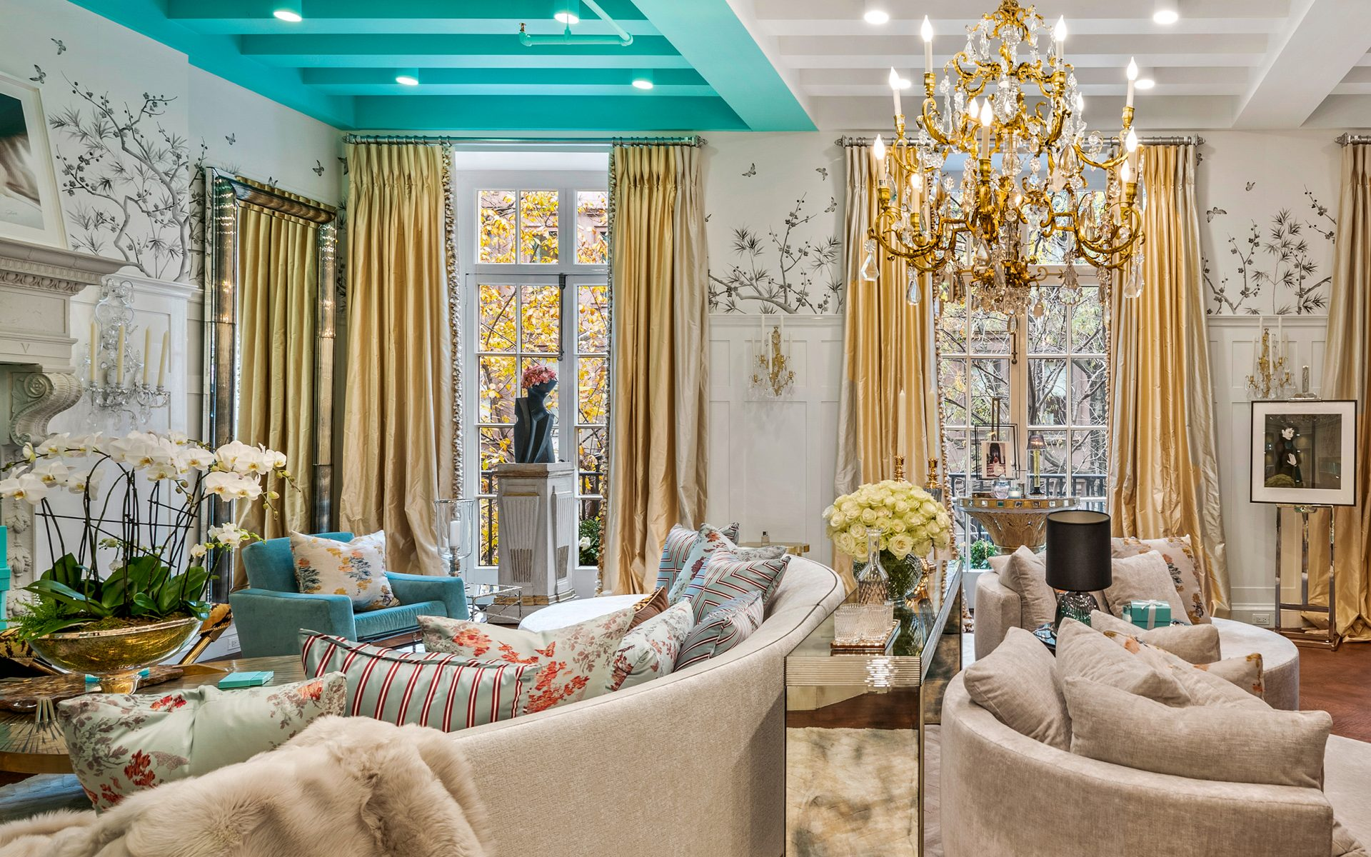 Tour the 2019 Holiday House NYC